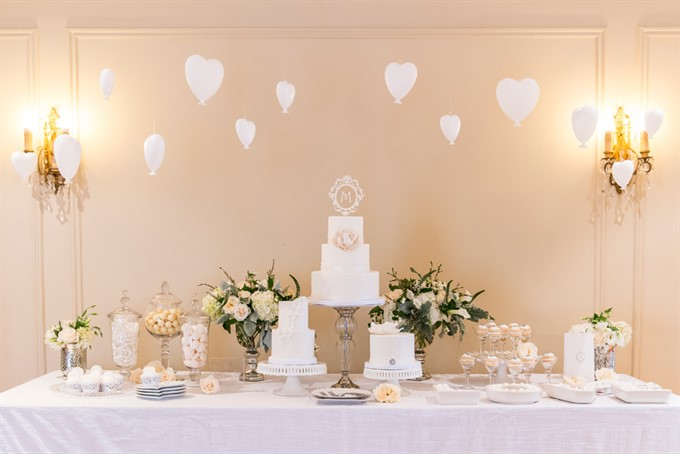 Choose lush décor for your reception venue