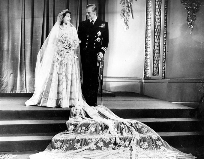 The Most Stylish Royal Brides | Queen Elizabeth II