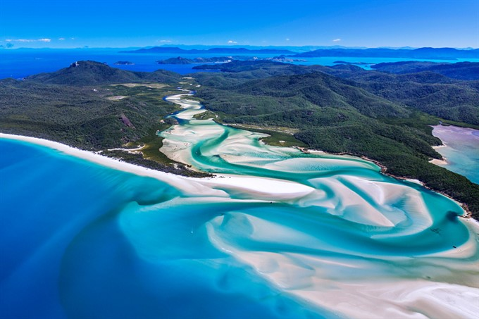 5. Whitehaven Beach - Whitsunday Islands, Australia