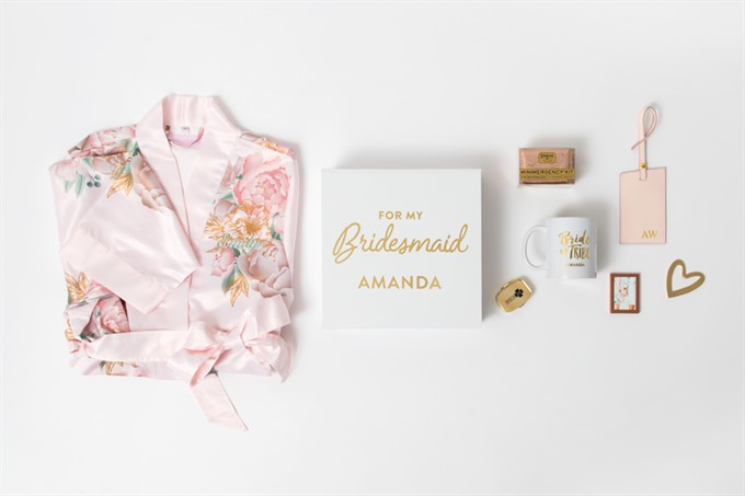The Bride's Diary | 10 Unique Gifts For Your Bridesmaids From Weddingstar | Bridesmaid Giftbox