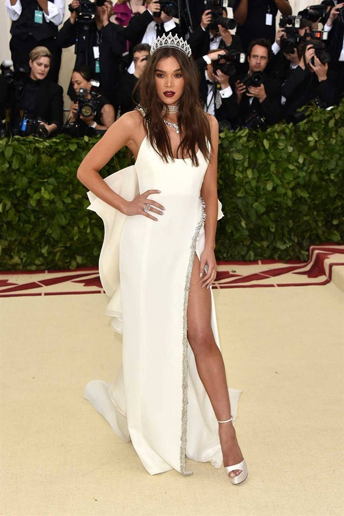 The Bride's Diary | Heavenly Couture: Met Gala 2018 | Hailee Steinfeld