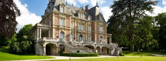 8 Romantic French Châteaux