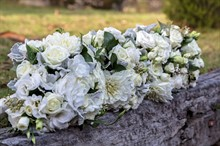 Lake Crackenback Resort | Lauren Paterson Photography | Wedding Flowers