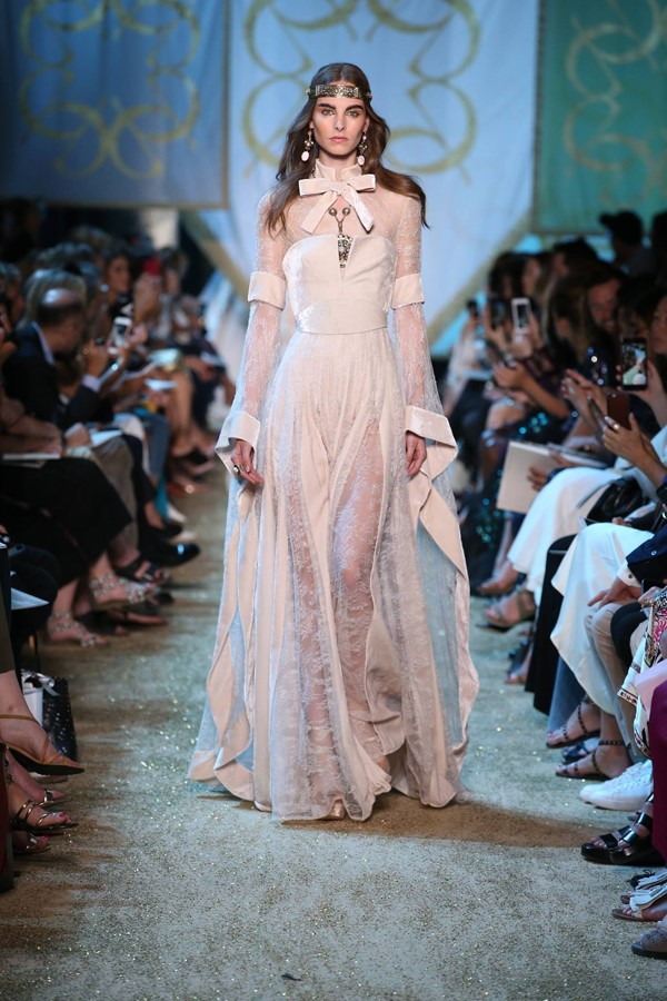 Elie saab haute couture autumn 2017 2018 the tale of for Haute couture photoshoot