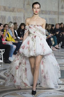 Giambattista Valli Autumn 2017 Couture