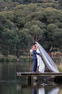 Lake Crackenback Resort | Lauren Paterson Photography | Couple On A Wharf