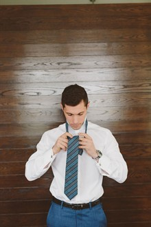 Beck Rocchi Photography | Melbourne Wedding | Tying a Tie
