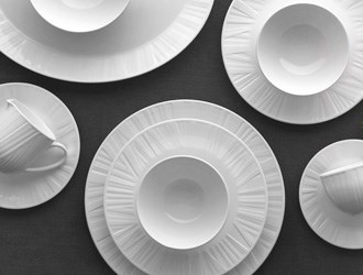 Vera Organza: Wedgwood's New Dinnerware Collection By Vera Wang