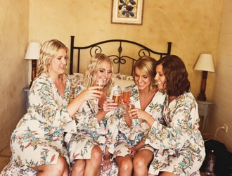 5 Amazing Hen's Night Party Ideas for Winter