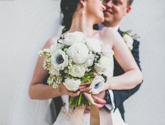 How To Create The Perfect Bouquet For Spring Weddings
