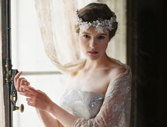 Choosing Bridal Accessories For Autumn & Winter Weddings