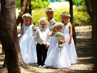 How To Choose Flower Girl Outfits