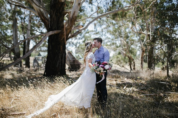 Has Married Her Long Term Partner And Best Friend Murray Thompson In A Romantic Rustic Ceremony At Historic Andersons Mill Smeaton Victoria