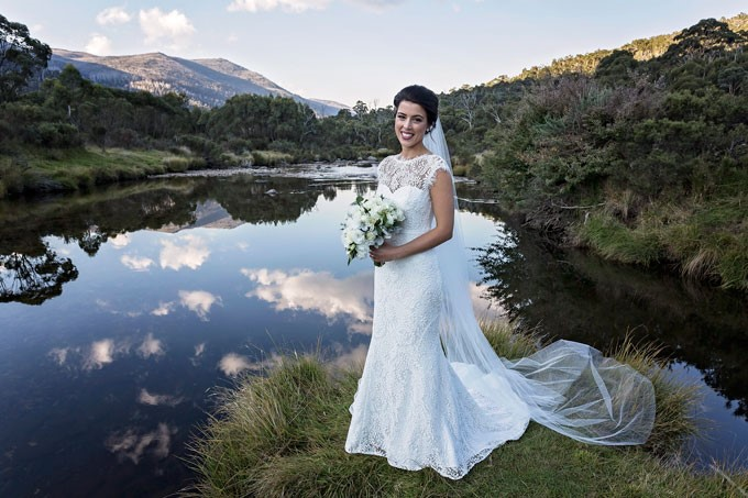 Lake Crackenback Resort | Lauren Paterson Photography | Bride At Lake