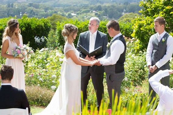 Alister Mitchell | Celebrant | Wedding Ceremony