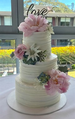 One Cake Down | Wedding Cakes | Floral Wedding Cake