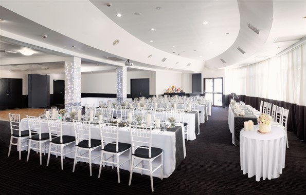Atura Albury | Wedding Venue | Wedding Reception Tables