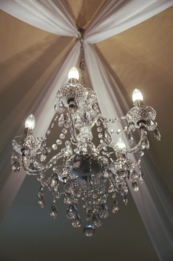 The Hills Lodge Hotel | Wedding Venue | Chandelier