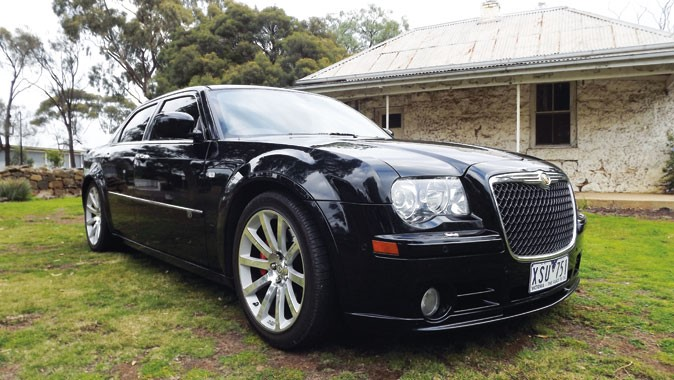 CJ Limousine Service | Wedding Transport | Chrysler 300c Black