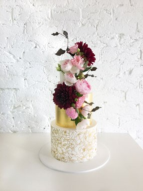 Ivy & Stone Cake Design | Wedding Cakes | Gold Foil Wedding Cake