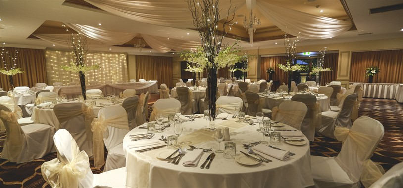 The Hills Lodge Hotel | Wedding Venue | Wedding Reception Tables
