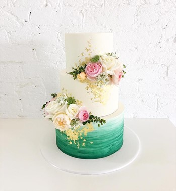 Ivy & Stone Cake Design | Wedding Cakes | Ombré Wedding Cake