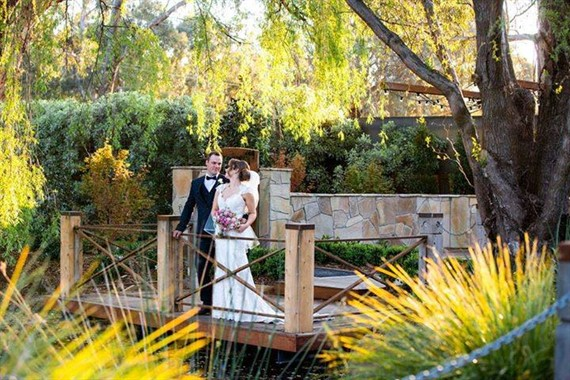 Ballara Receptions | Wedding Venue | Couple in the Garden