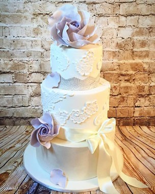 Lavender And Lace Cakes