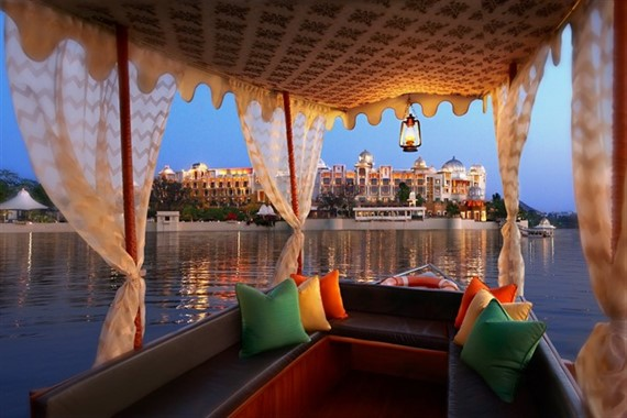 Incredible India | Honeymoon | Boat Ride