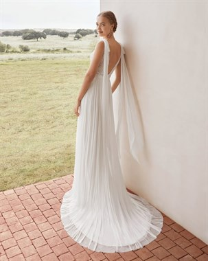 Annabel's Bridal Studio | Bridal Fashion | Willowby Modern Gown