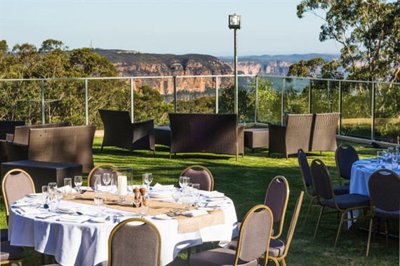 Fairmont Resort Blue Mountains | Wedding Venue | Outdoor Dining